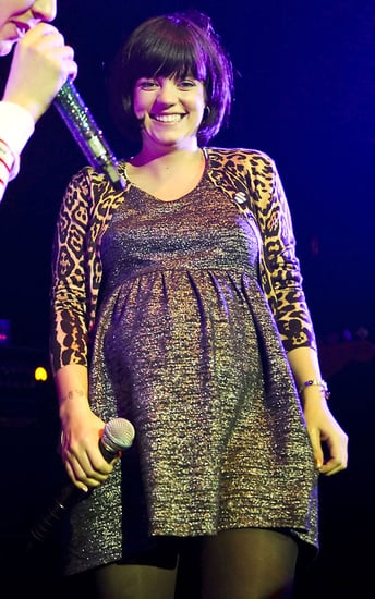 Pictures of Pregnant Lily Allen and Professor Green Performing Together