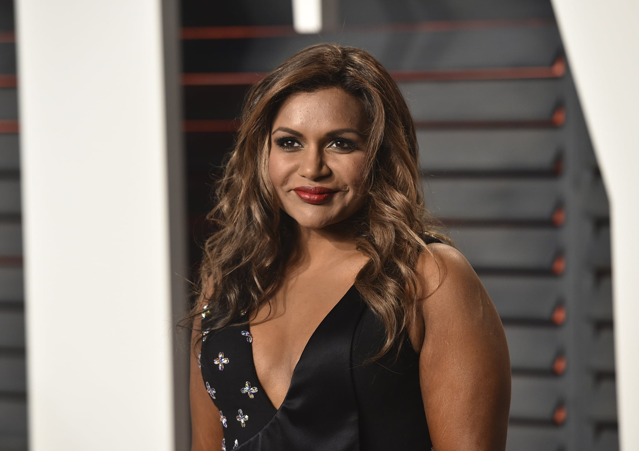 BEVERLY HILLS, CA - FEBRUARY 28:  Actress Mindy Kaling arrives at the 2016 Vanity Fair Oscar Party Hosted By Graydon Carter at Wallis Annenberg Center for the Performing Arts on February 28, 2016 in Beverly Hills, California.  (Photo by John Shearer/Getty Images)