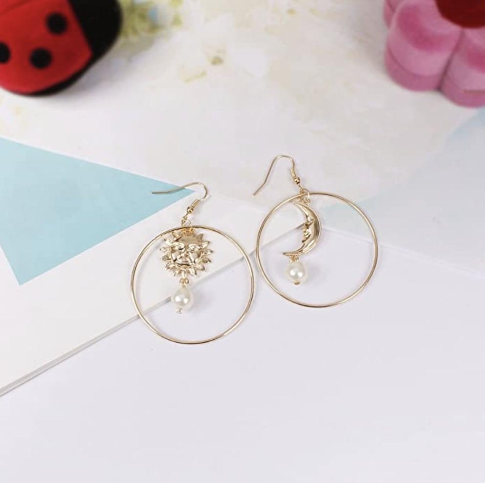 Sun Moon Asymmetric Imitation Pearl Earrings