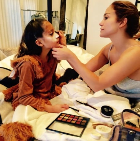 Jennifer Lopez Does Her Daughter's Halloween Makeup