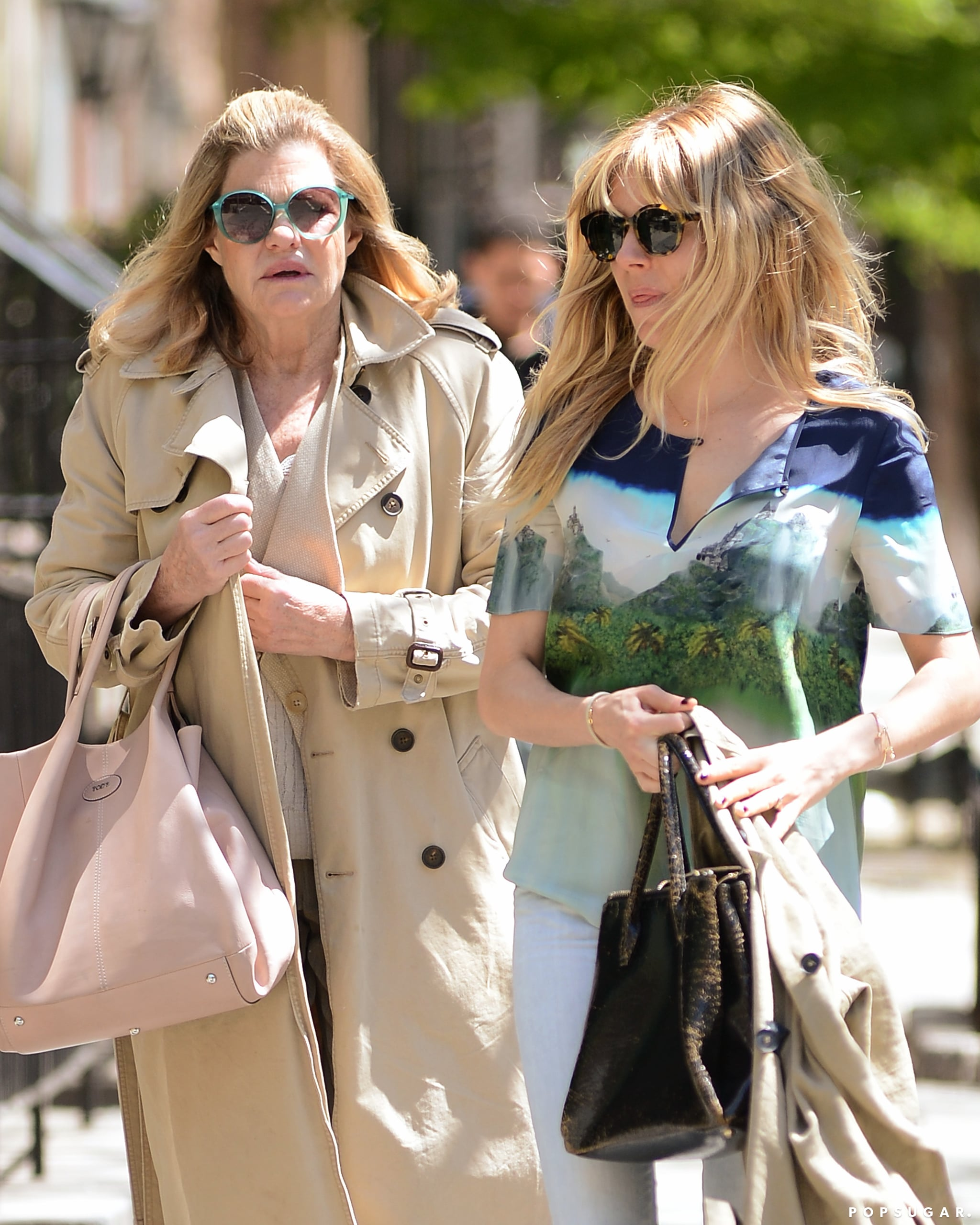 Sienna Miller and her mom, Josephine, had a lunch date in NYC.