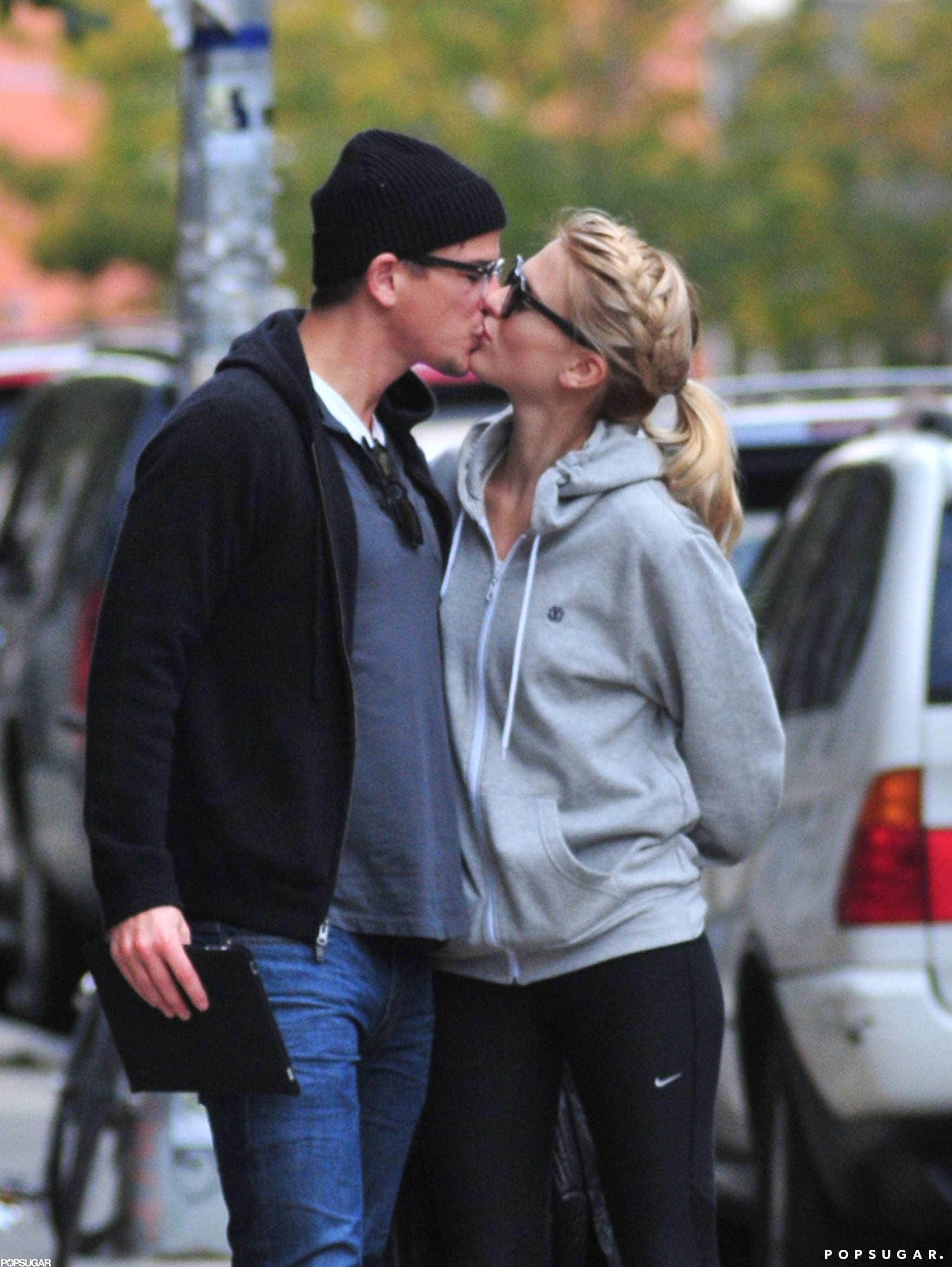 Josh Hartnett and Sophia Lie locked lips on the streets of NYC in October 2011.