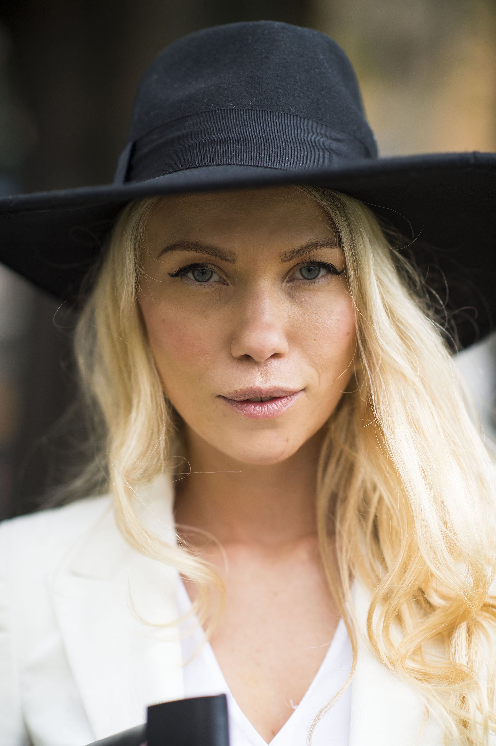 When in doubt, throw on a chapeau and swipe on some cat eyeliner. Source: Le 21ème | Adam Katz Sinding