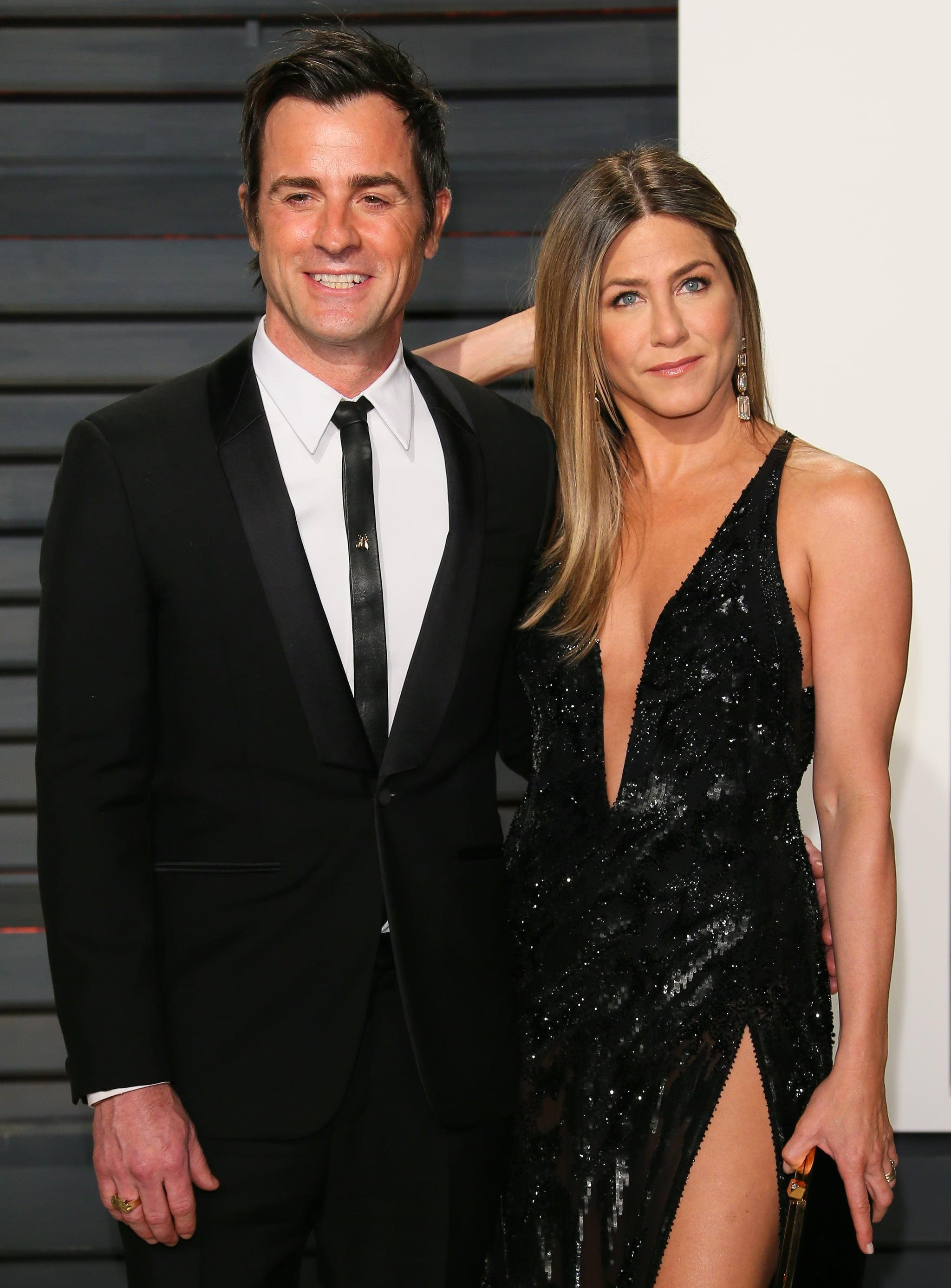 BEVERLY HILLS, CA - FEBRUARY 26: Jennifer Aniston and Justin Theroux attend the 2017 Vanity Fair Oscar Party hosted by Graydon Carter at Wallis Annenberg Centre for the Performing Arts on February 26, 2017 in Beverly Hills, California. (Photo by JB Lacroix/WireImage)