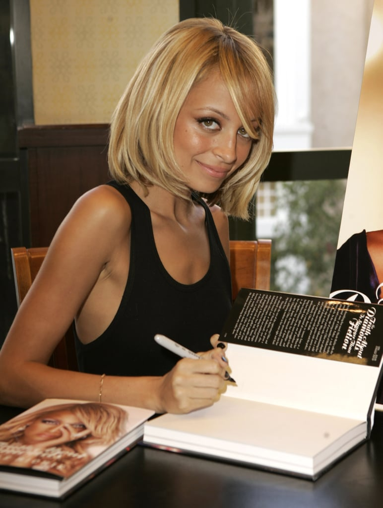 Nicole — with a cute new blond bob — signed autographs of her first book, The Truth About Diamonds, at an LA Barnes and Noble store in November 2005.
