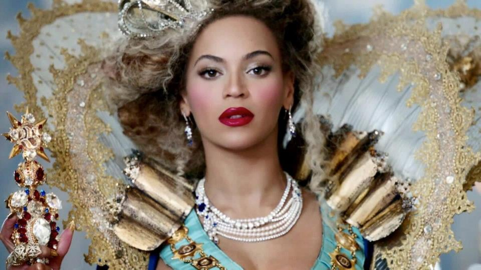 We Interview the Lady Behind Beyoncé's On-Stage Bling: Jenny Manik Mercian