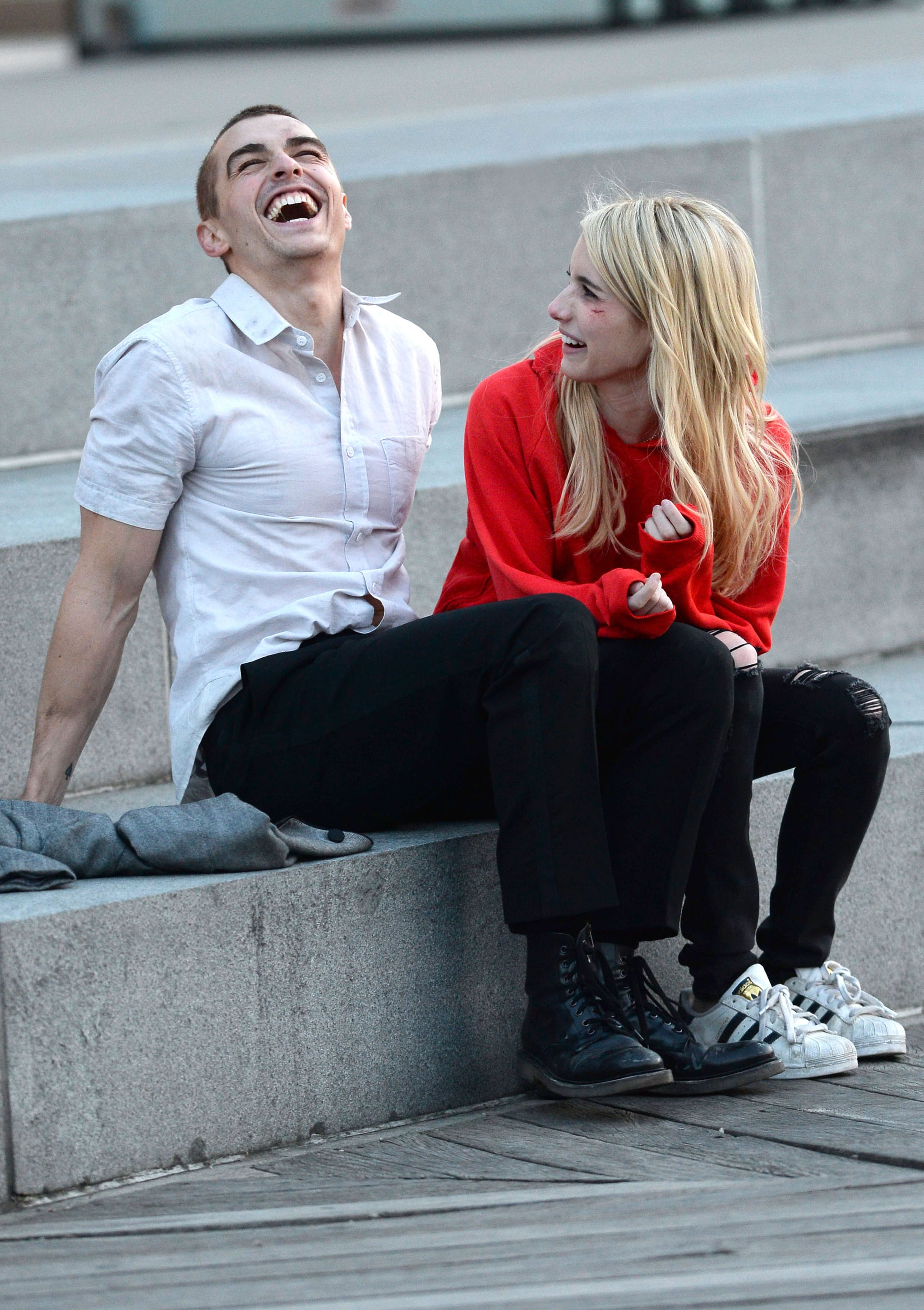 Emma Roberts And Dave Franco Kiss On The Set Of Nerve Popsugar Celebrity