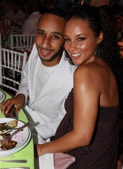Pictures of Pregnant Alicia Keys Who Has Married Swizz Beatz in Wedding in Corsica