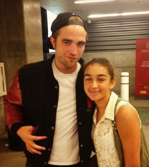 Robert Pattinson greeted a fan at Beyoncé Knowles's LA concert. Source: honugirl88