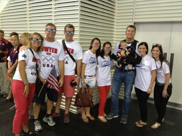 Conor Dwyer's family gathered before his 4 x 200 relay race.  Source: Twitter user esqright