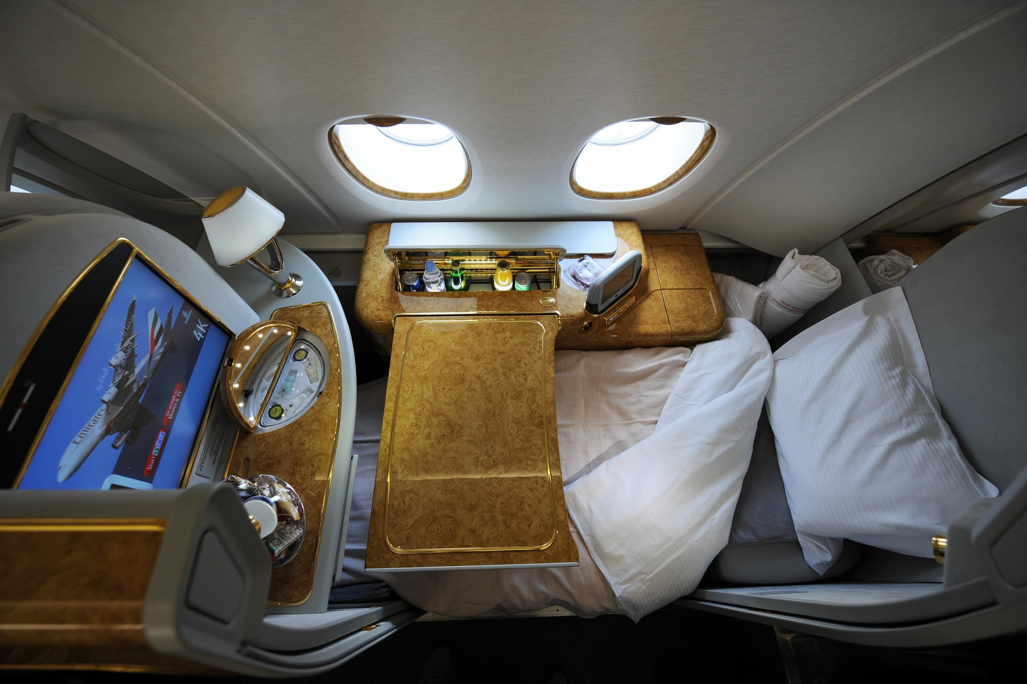 Emirates airlines airbus a380 popsugar career and finance for Airbus a380 emirates interior