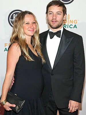 Lil Links: Jennifer Meyer Knows How to Flatter Her Figure