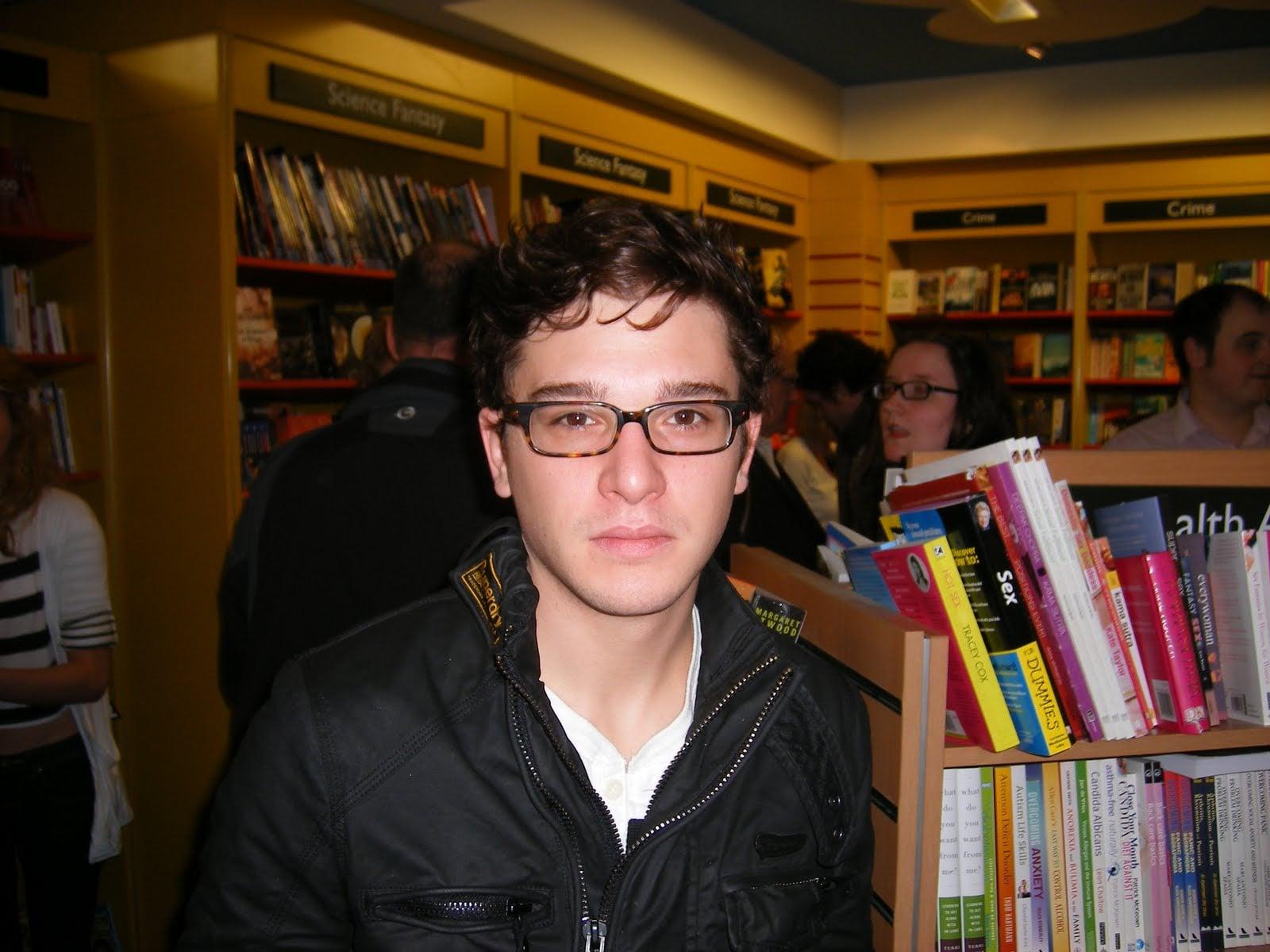 Kit Harington (Jon Snow) — NONE OF US CAN HANDLE ANYTHING. Source: Blogspot user thewertzone