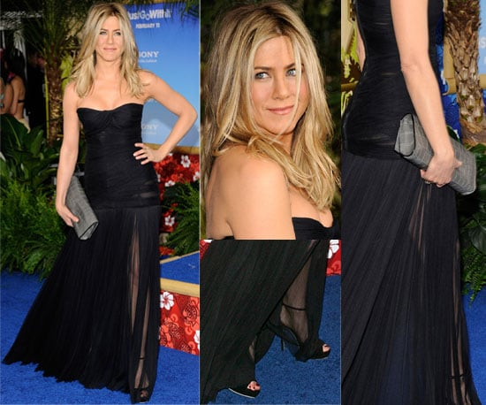 Jennifer Aniston Wears Sexy Dolce And Gabbana Gown To Just Go With It Movie Premiere -3215