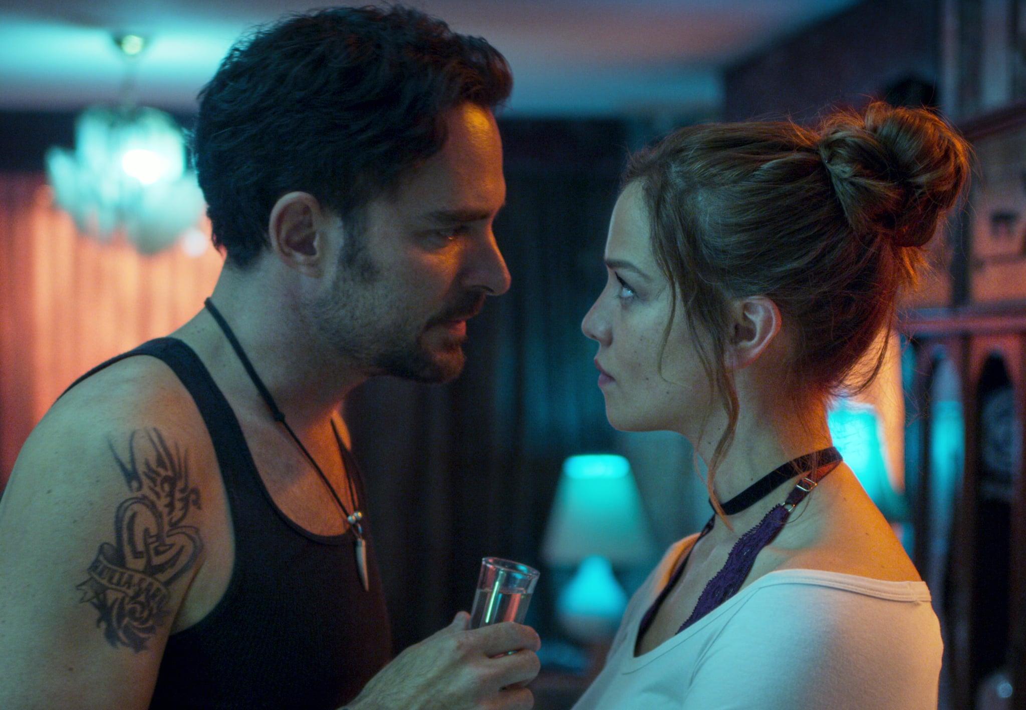 QUIEN MATO A SARA? (L to R) MANOLO CARDONA as ALEX and CAROLINA MIRANDA as ELISA in episode 103 of QUIEN MATO A SARA?. Cr. NETFLIX  2020