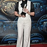 Julia wore white tuxedo separates over a pussy-bow blouse at the American Society of Cinematographers Outstanding Achievement Awards in 2011.