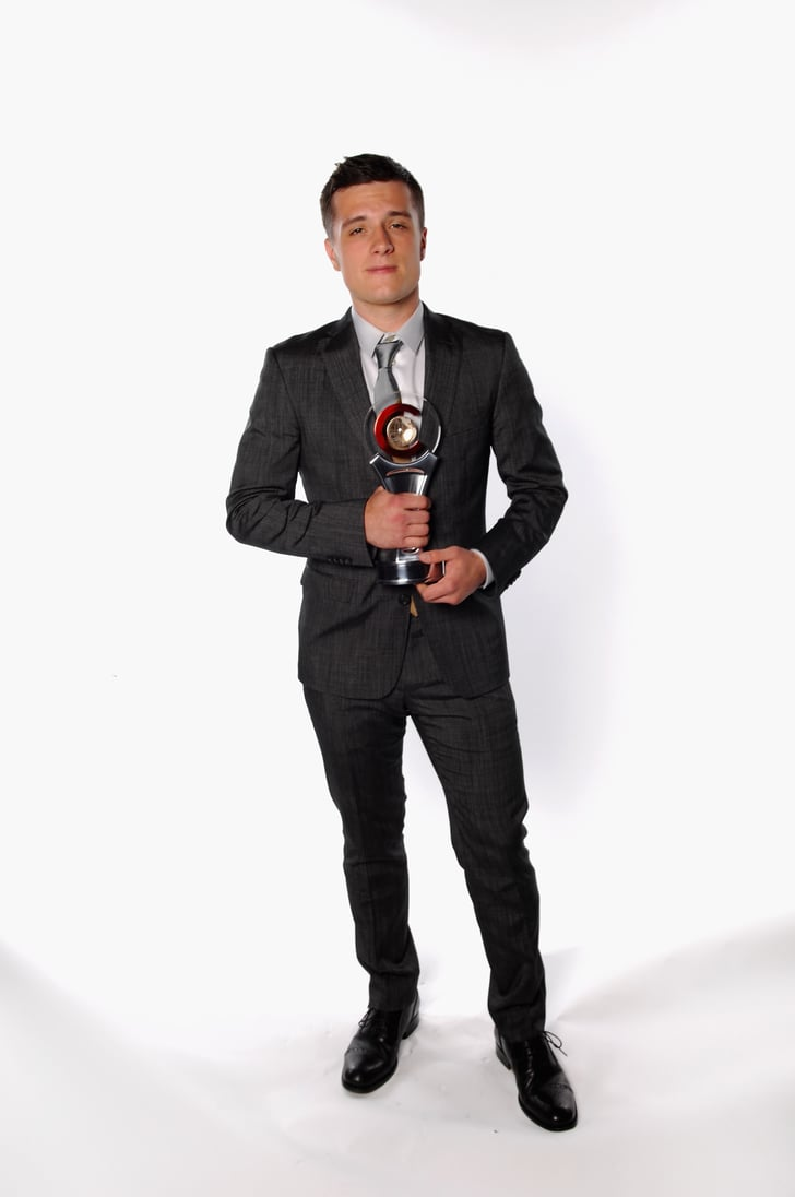 Josh Hutcherson posed with his award at CinemaCon awards ...
