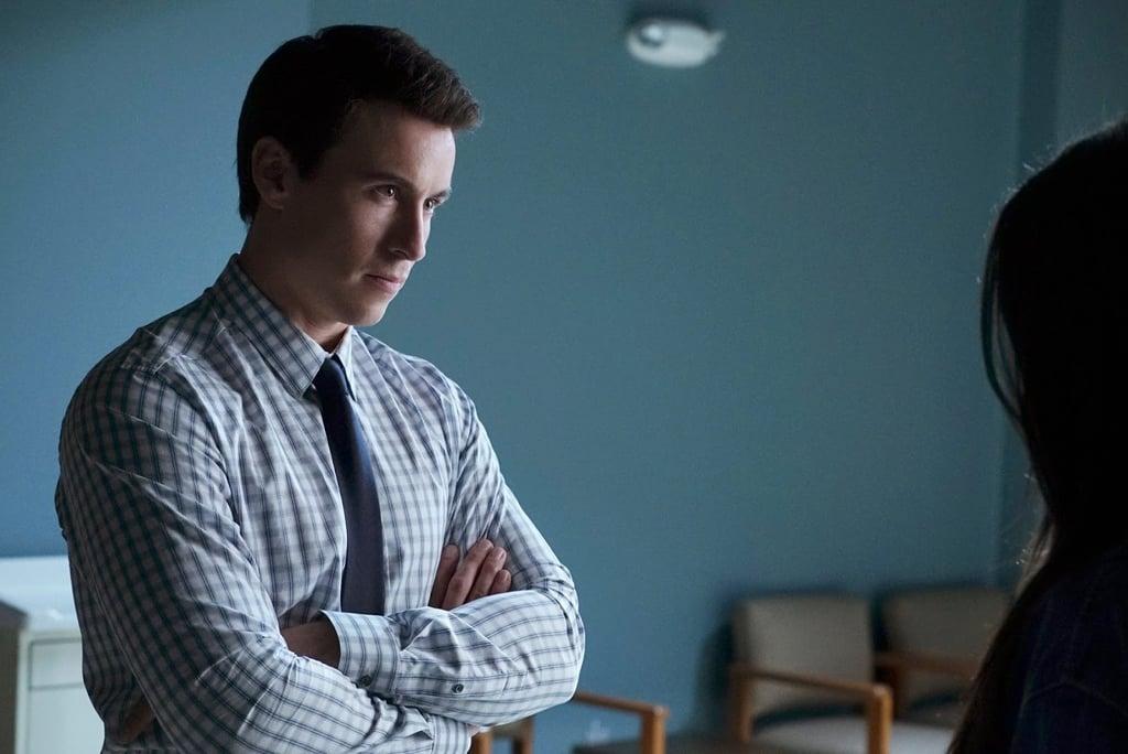 Who Is Doctor Elliott Rollins on Pretty Little Liars?