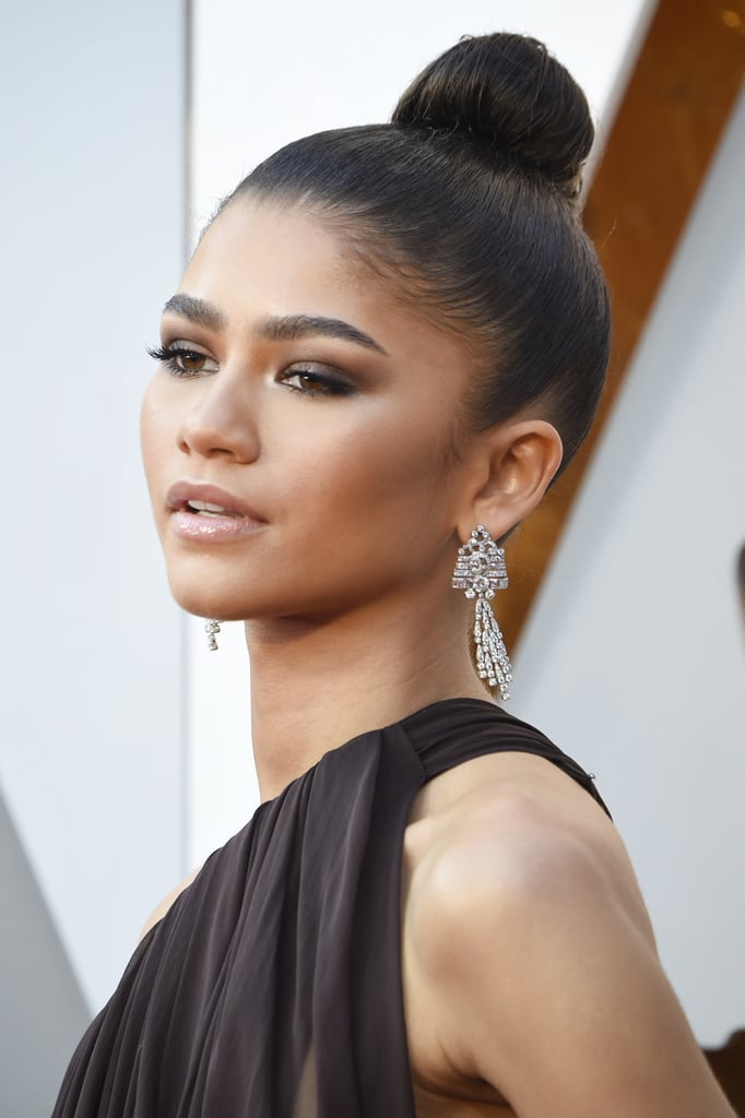 zendaya makeup oscars hair achieve beauty knot sleek need popsugar strip australia copy awards ke