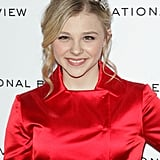 Chloë Moretz was a vision in red.