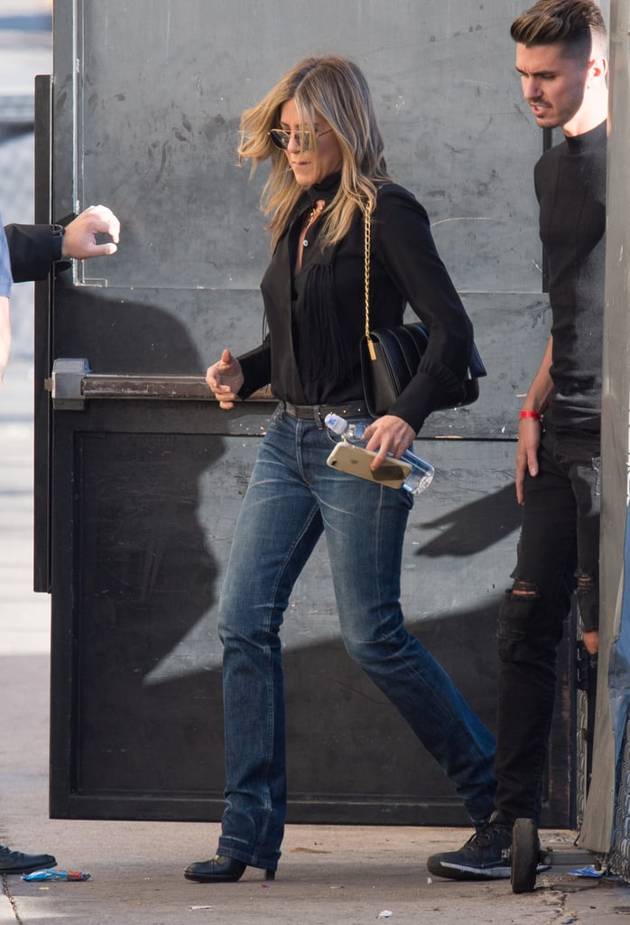f2d419613e3b How to Dress Like Jennifer Aniston