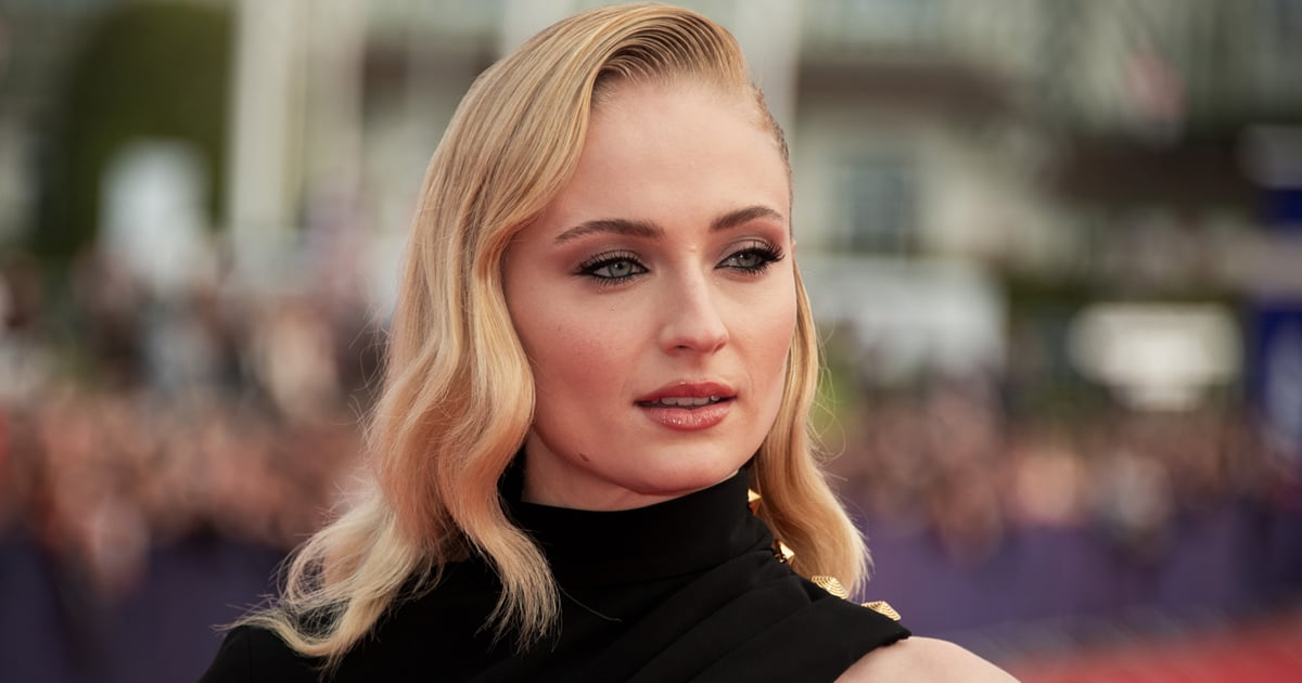 """""""I'm Sickened, I'm Disgusted"""": Sophie Turner Demands Paparazzi Stop Photographing Her Baby.jpg"""