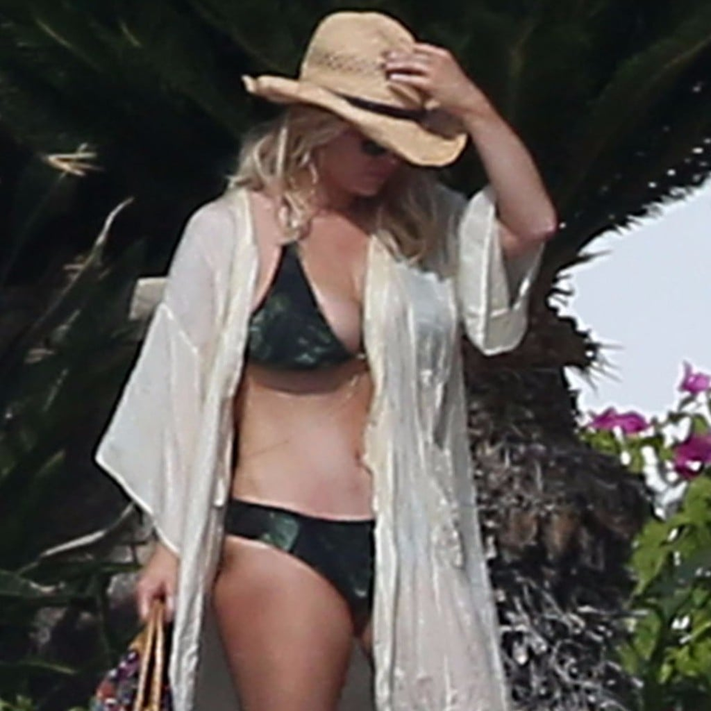 Jessica simpson wearing a bikini