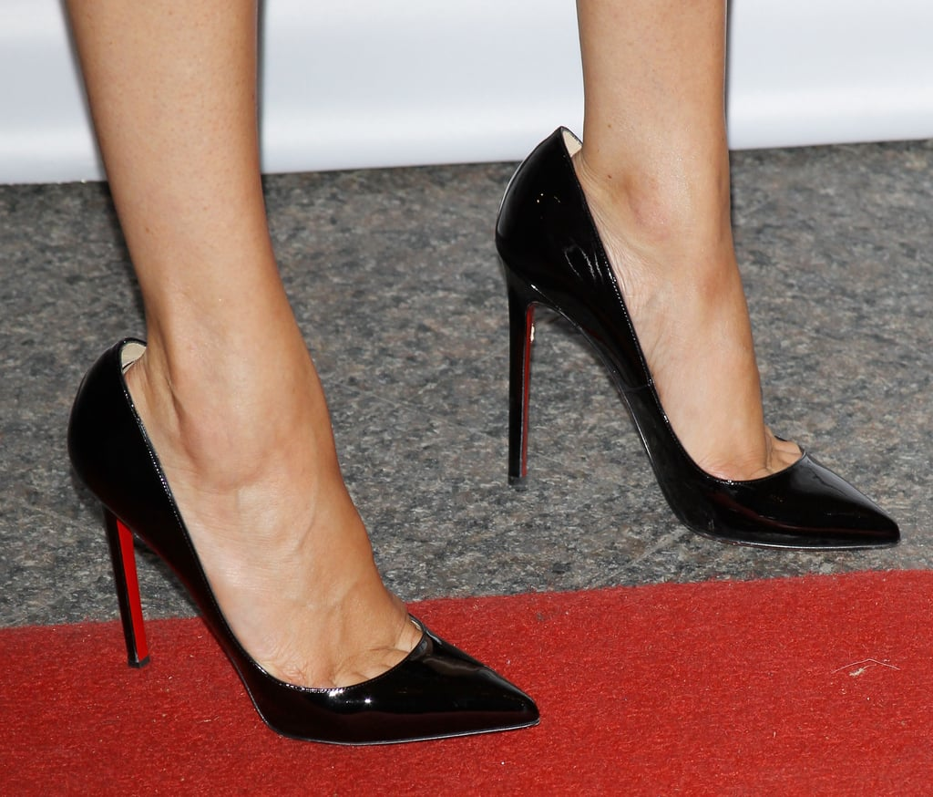 She finished her look with her Christian Louboutin heels.
