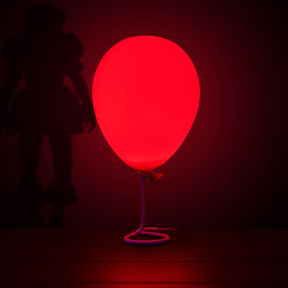 This Pennywise Balloon Lamp Is Perfect For Fans of It
