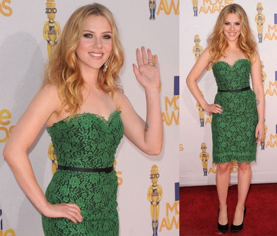 Pictures of Scarlett Johansson in D&G at the 2010 MTV Movie Awards