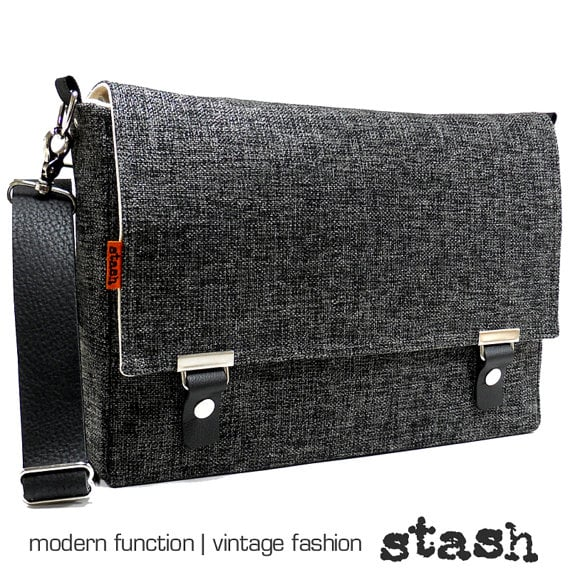 Fifteen-inch laptop messenger bag ($169)