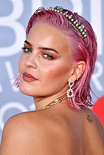 BRIT Awards 2020: The Best Celebrity Hair and Makeup Looks