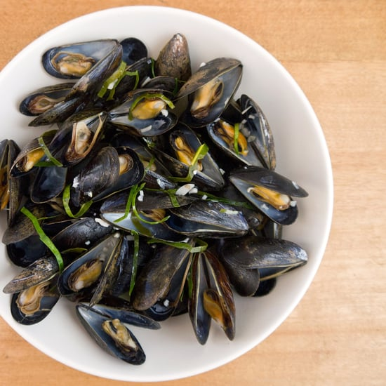 Steamed Mussels With Lime Leaves