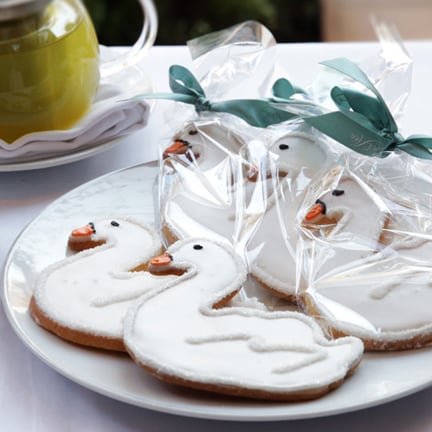Bake a Bit of Romantic Hollywood With Sweet Swan Cookies