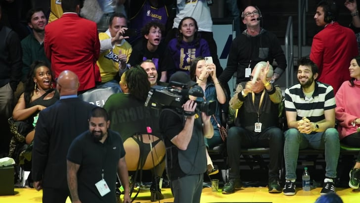 See Lizzo Twerk Courtside at the LA Lakers Game | POPSUGAR ...Lakers Game