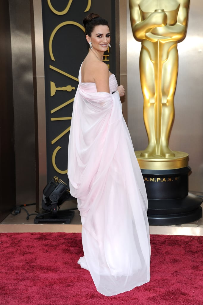 Pen 233 Lope Cruz On The 2014 Oscars Red Carpet Popsugar