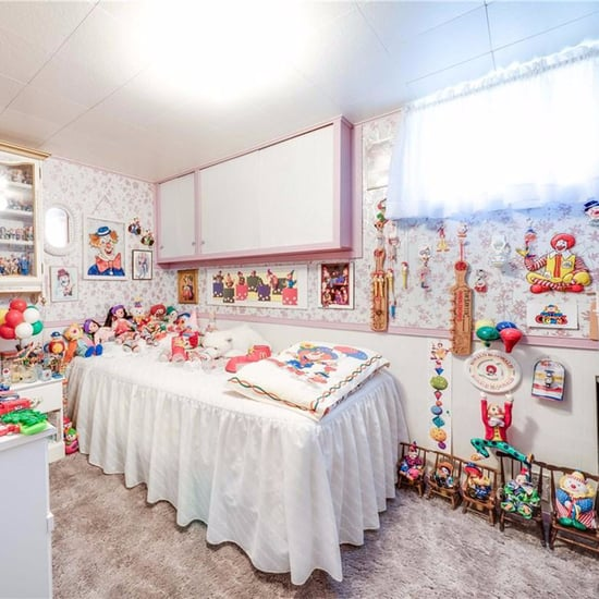 Ontario House For Sale With Clowns