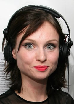 Get Sophie Ellis-Bextor's Ladylike Lipstick Look, Breast Cancer Awareness Month Beauty Buys, Interview With Terry de Gunzburg