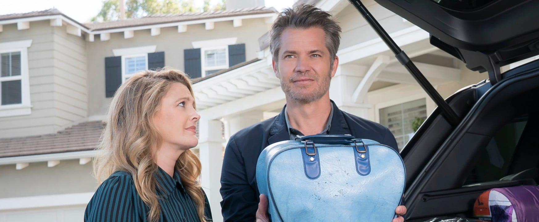 Drew Barrymore and Timothy Olyphant Make Santa Clarita Diet Season 2 a Gory Comedy Delight