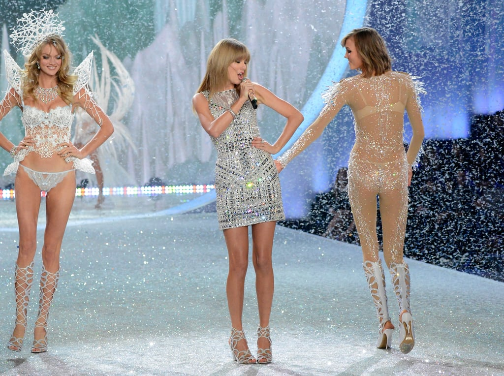 9. Taylor Swift got a rump tap of her own from Karlie Kloss.
