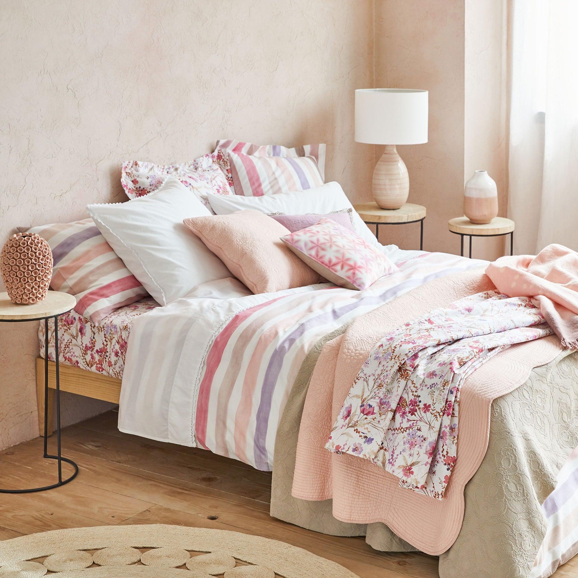 Decoraci n de habitaciones descubriendo la moda for Decoracion de camas zara home