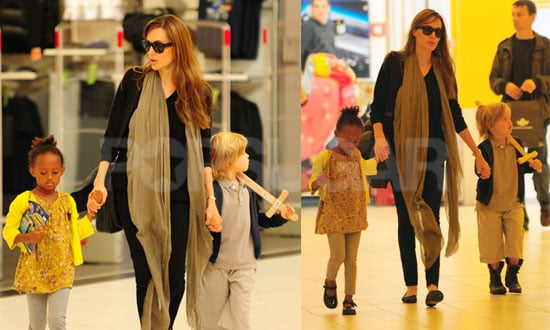 Angelina Jolie,shiloh and Zahara were spotted gearing up for a flight out of Budapest, Hungary on Saturday (September 18).