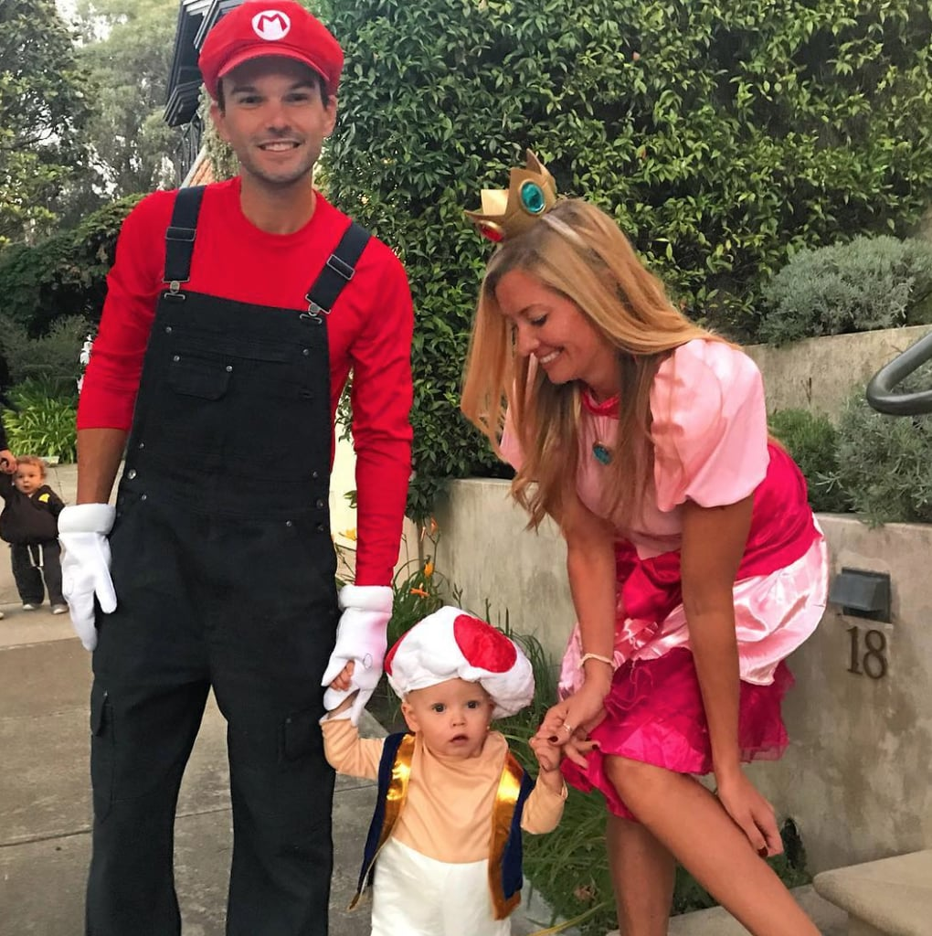 Halloween Ideas 2019 For Family Of 3.Family Of 3 Halloween Costumes Popsugar Family