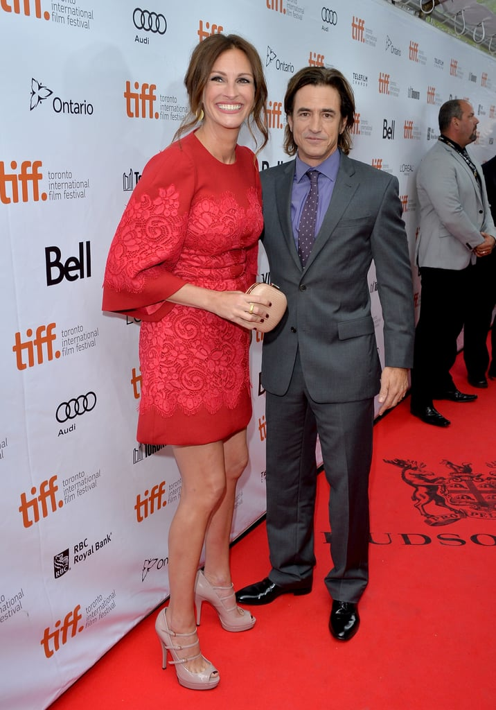Julia Roberts posed with her costar Dermot Mulroney.