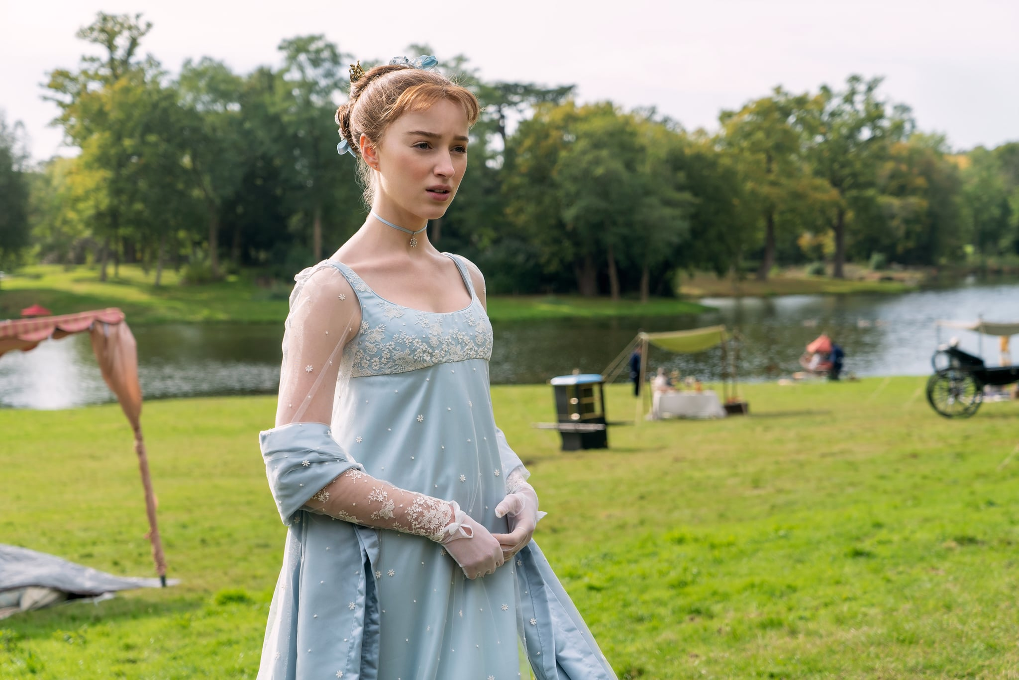 BRIDGERTON PHOEBE DYNEVOR as DAPHNE BRIDGERTON in episode 102 of BRIDGERTON Cr. LIAM DANIEL/NETFLIX  2020