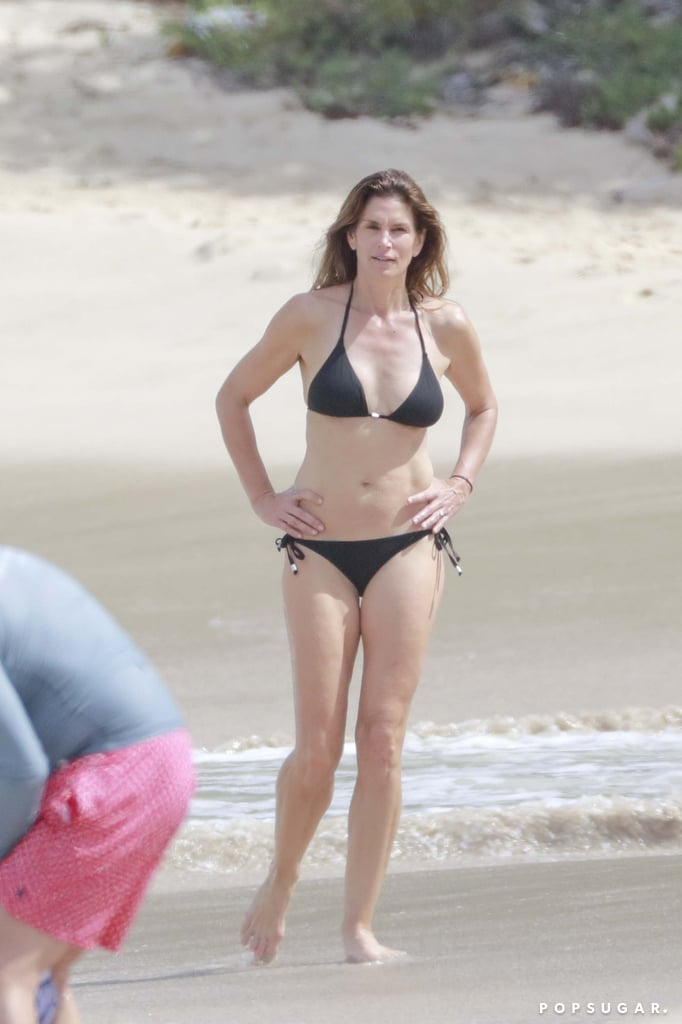 Cindy Crawford enjoyed a relaxing beach day in St. Barts with husband Rande Gerber in 2016.