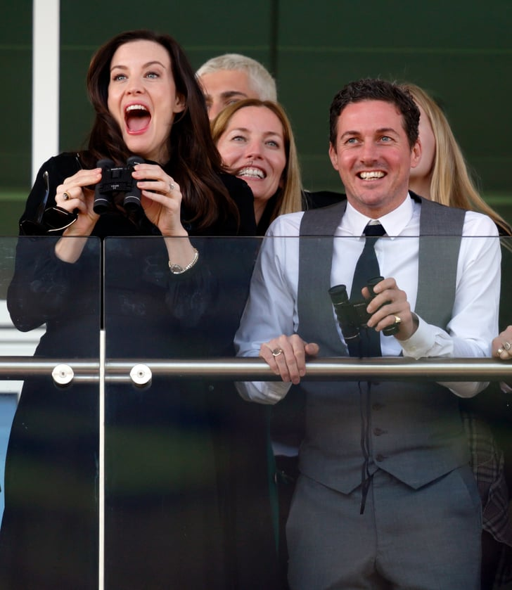 why is carbon dating ineffective in finding the ages of dinosaur bones?