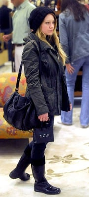 Hilary Duff Style 2010-12-21 15:00:19