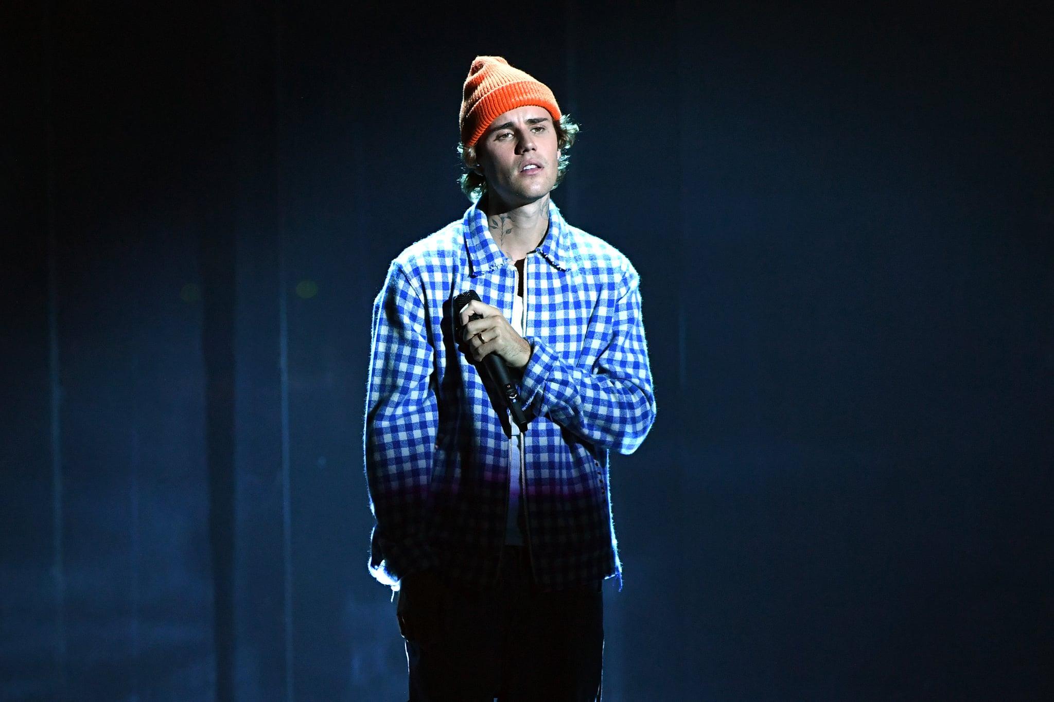 لس آنجلس ، کالیفرنیا - 22 نوامبر: در این تصویر که در 22 نوامبر منتشر شد ، جاستین بیبر در صحنه جوایز موسیقی 2020 آمریکا در تئاتر مایکروسافت در تاریخ 22 نوامبر 2020 در لس آنجلس ، کالیفرنیا اجرا می کند.  (عکس از کوین مازور / AMA2020 / گتی ایماژ برای dcp)
