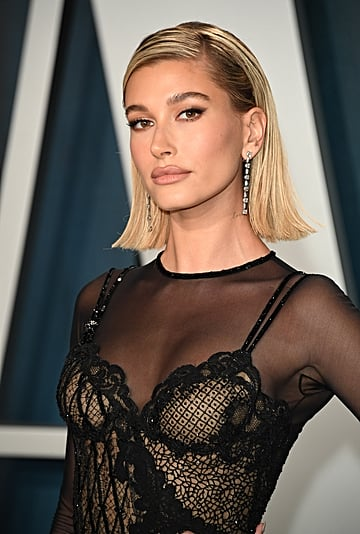 Hailey Bieber's Sexy Eye Makeup at the Oscars 2020